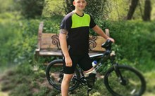 Former soldier and amputee set to take on 100km cycling challenge to help his injured comrades